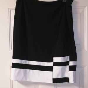 Dkny skirt over Knee size 14